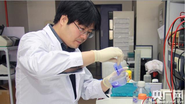 【天下英才】中国最年轻院士邵峰:攻破细菌的防线
